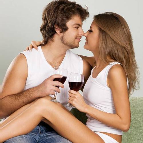 Самое время выпить вина.