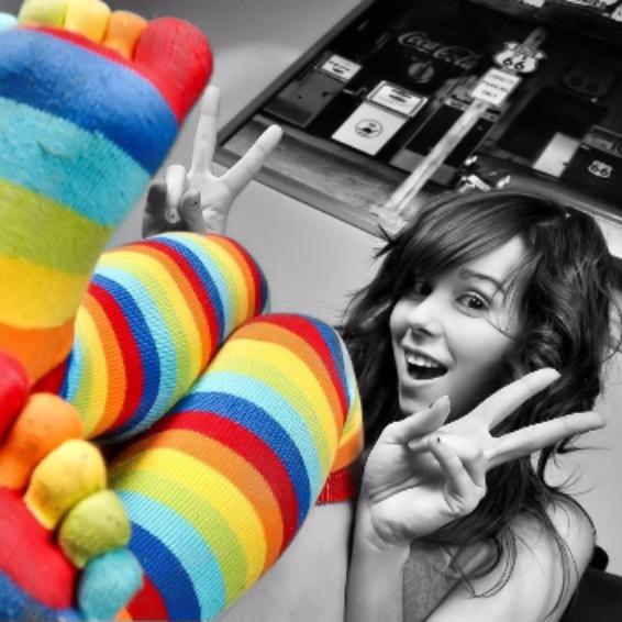 День разноцветных носков с пальцами!