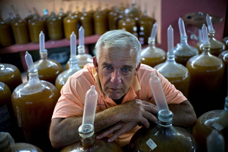 Куба. Презервативы и вино.