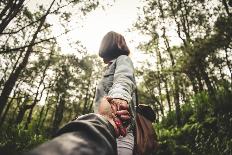 Безопасный секс в лесу: что взять и как спастись от насекомых