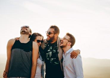Почему мужчины предпочитают девушек друзьям?