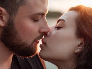 Искусный поцелуй